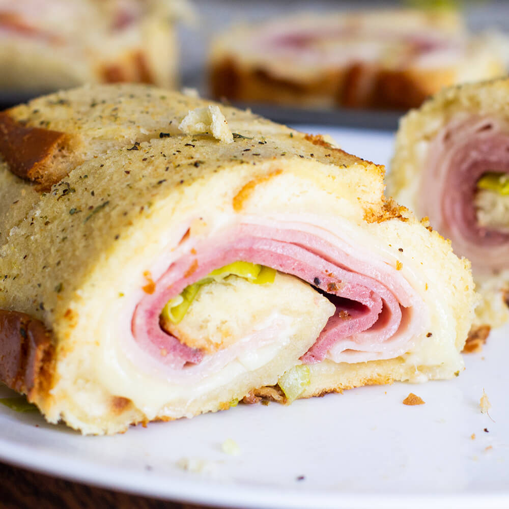 Ultimate Bar-S Sandwich Roll